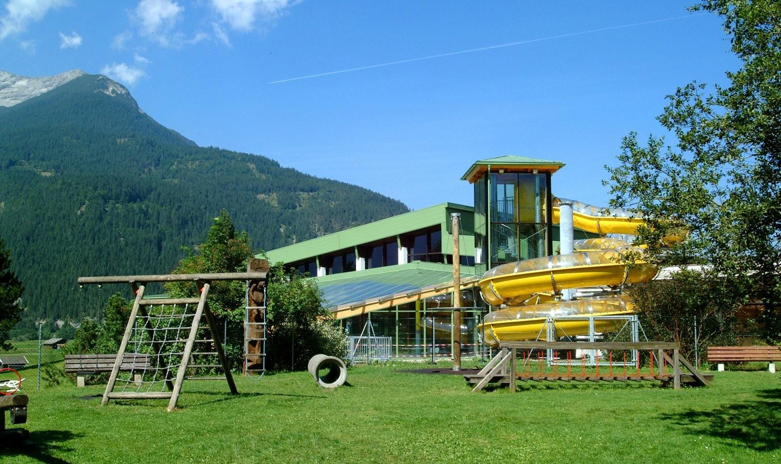 hallenbad-ehrwald-aussenbereich-54